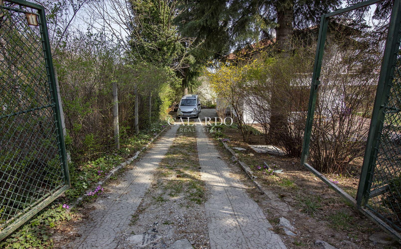 Парцел с уникална гледка до парк Витоша