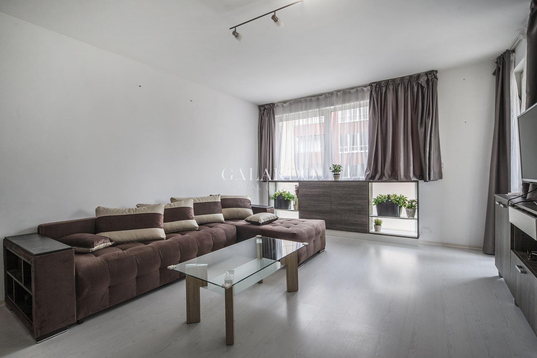 Тристаен обзаведен апартамент в Манастирски ливади