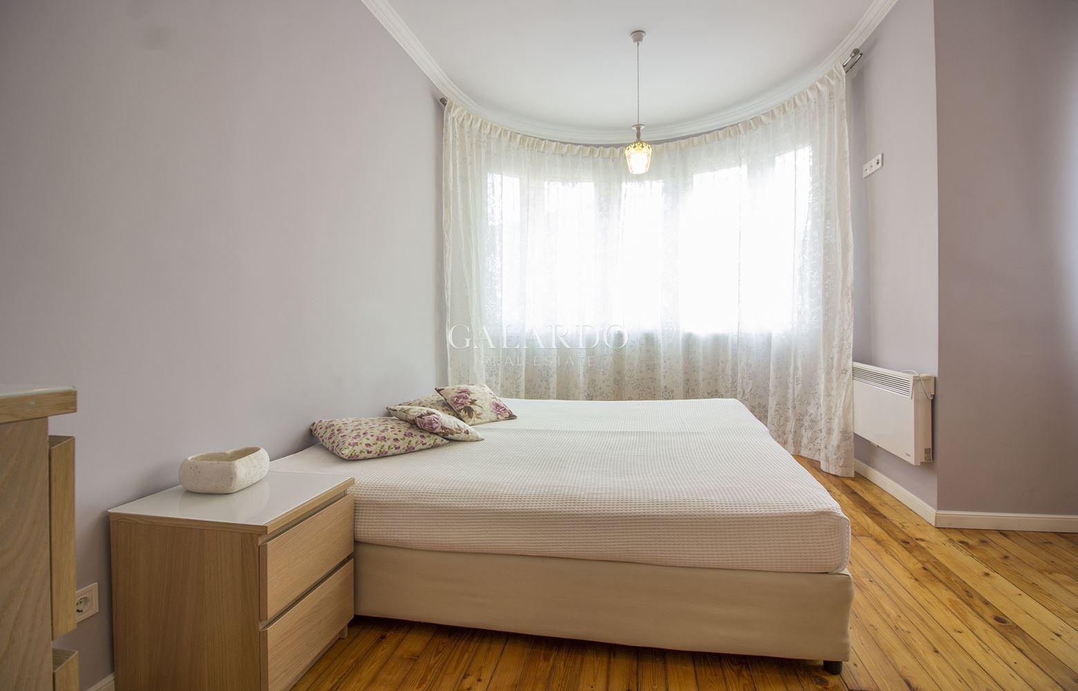 Четиристаен апартамент в Топ Център
