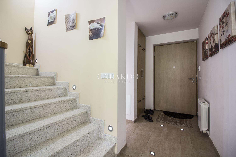 Къща за продажба в