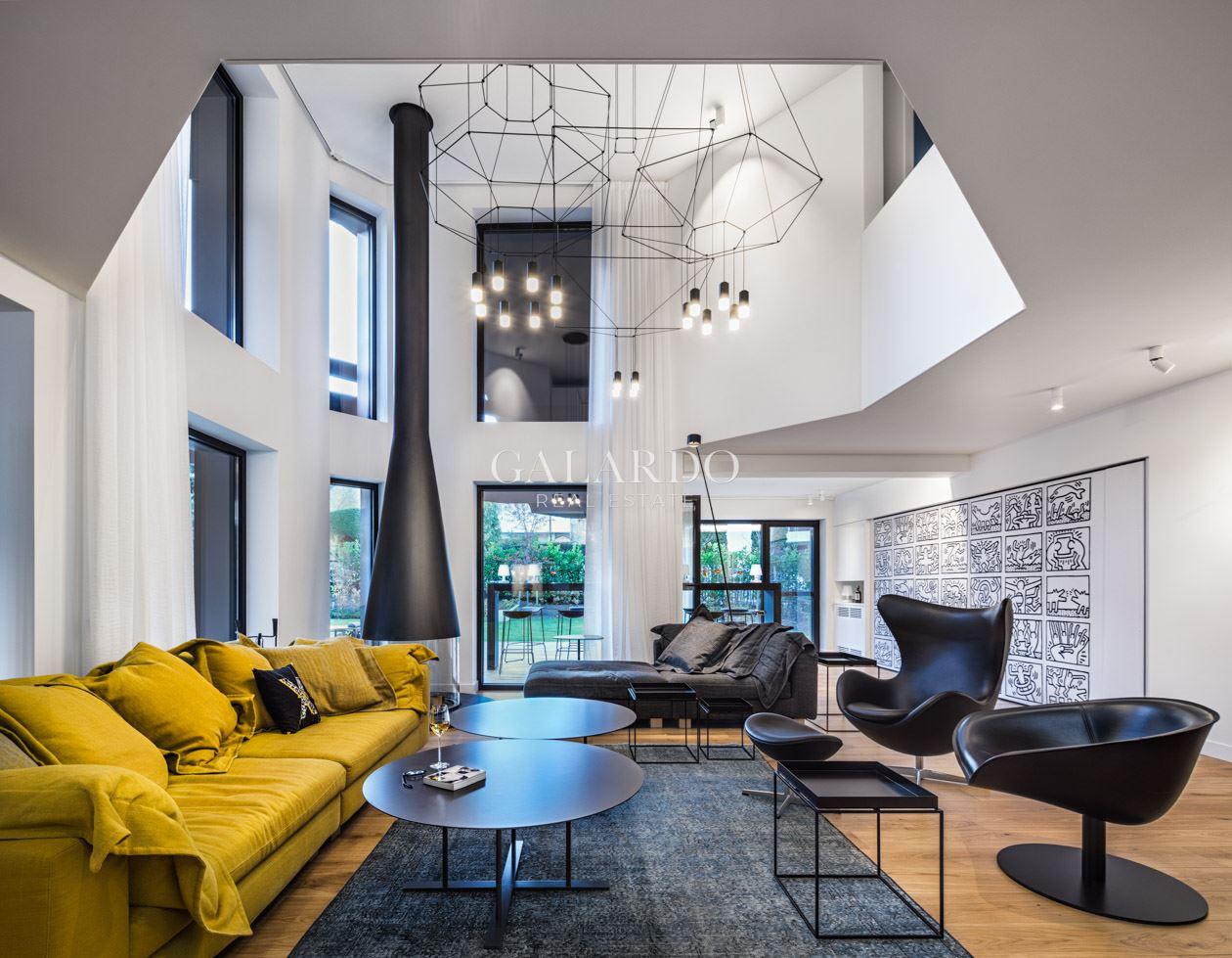 Дизайнерска  къща за продажба в затворен комплекс в кв.Симеоново