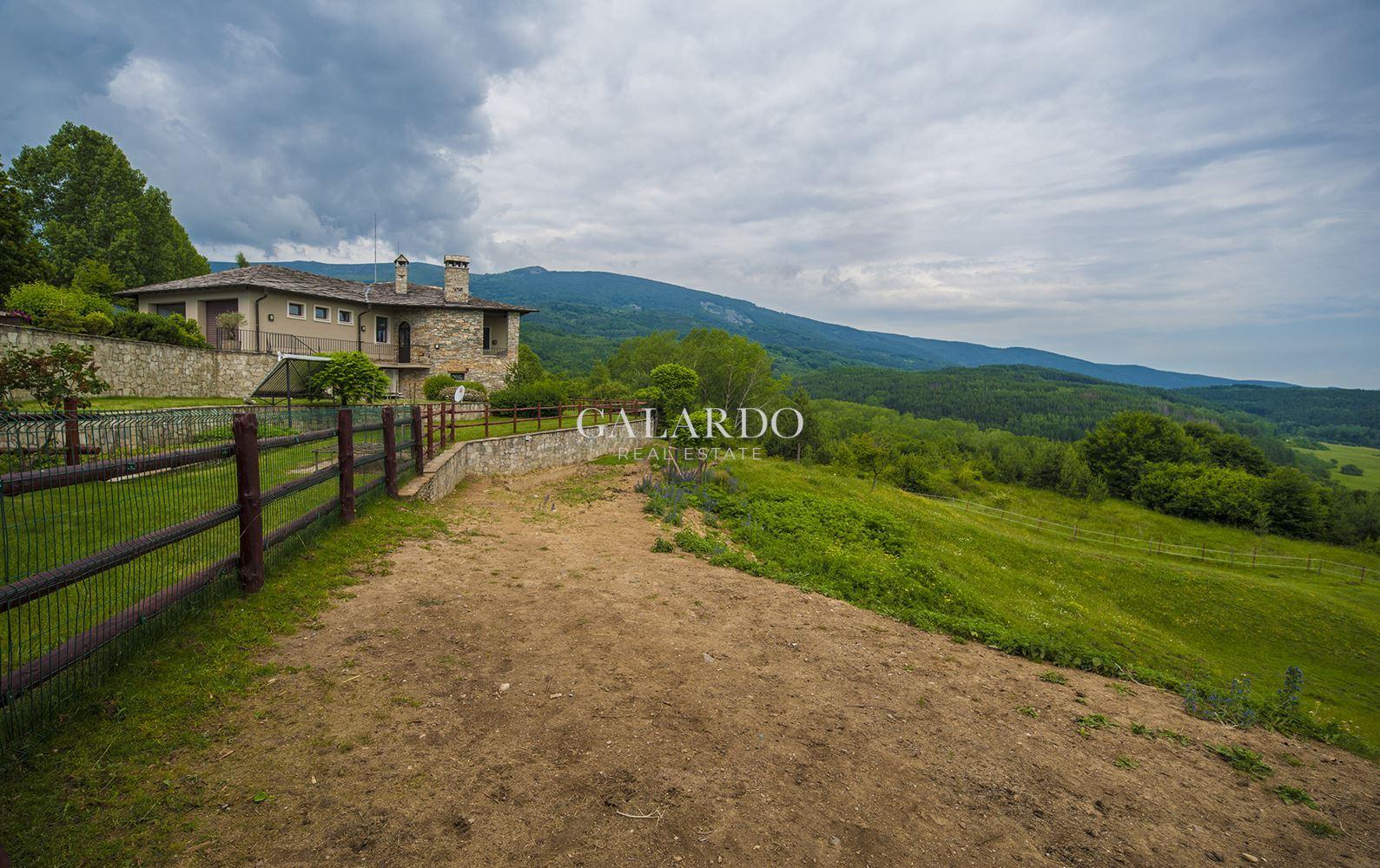 Уникална къща-ранчо на 20 мин от София
