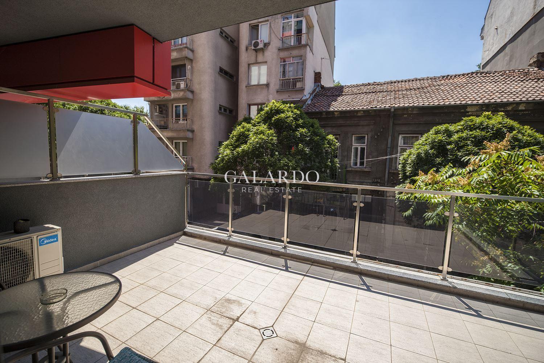 Напълно обзаведен апартамент в централната част на столицата