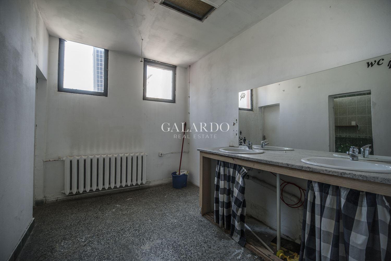 Просторен офис на емблематично място в София