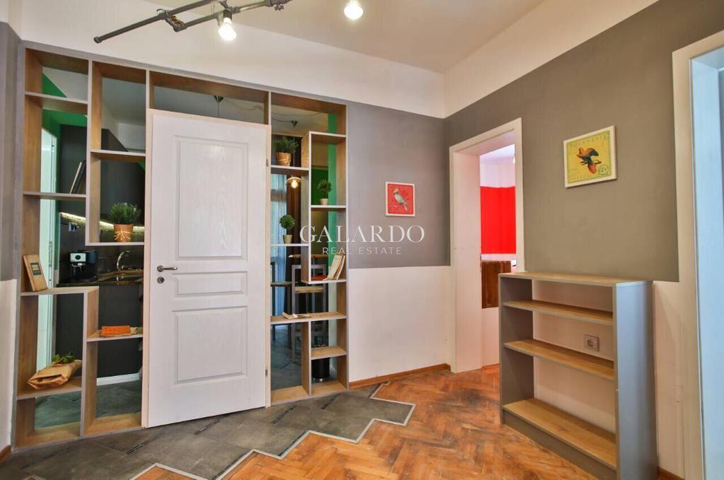 Атрактивен дизайнерски имот с две спални до НДК и Медицинки университет