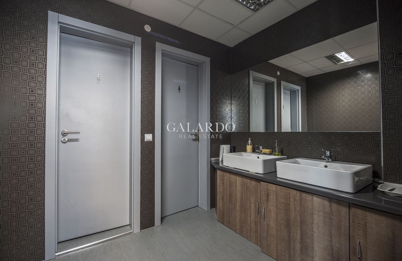 Функционален офис в Бизнес център на бул. България