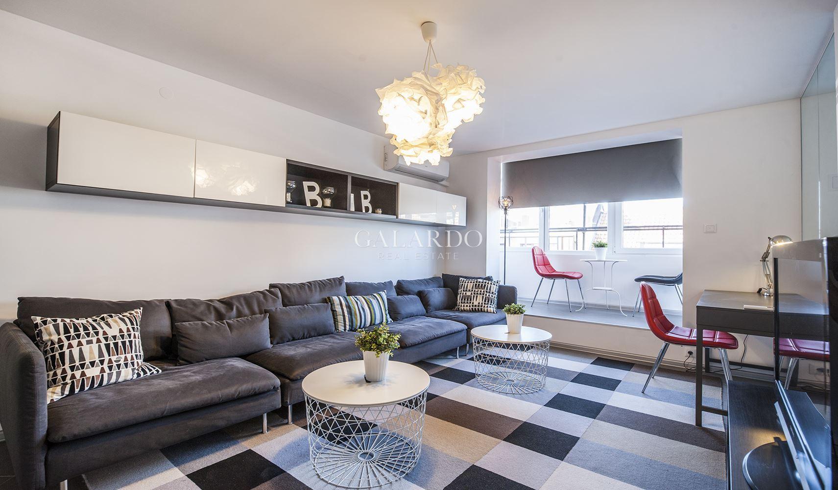 Слънчев тристаен апартамент до парк Заимов