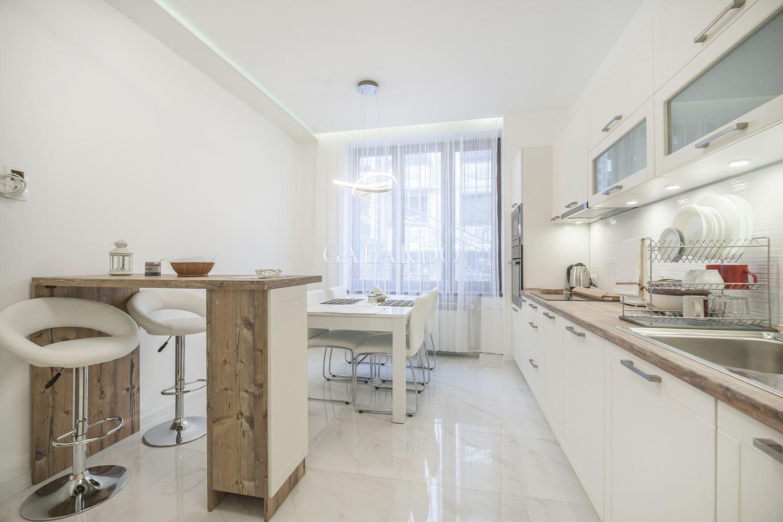 Three-bedroom apartment on the pedestrian part of Vitosha