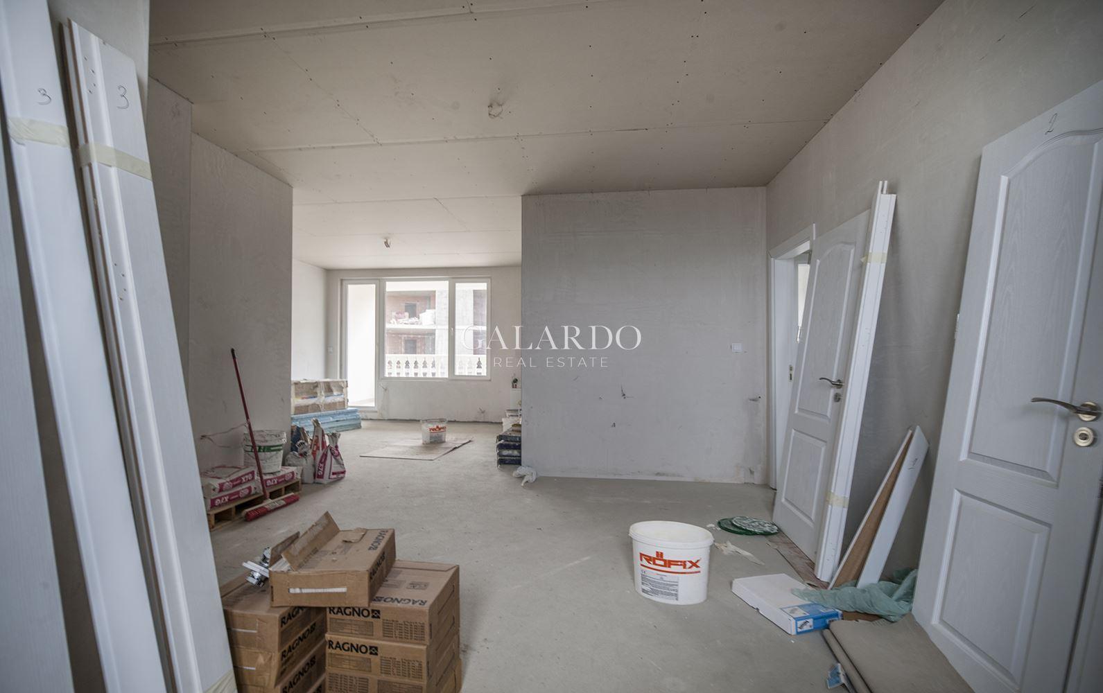 Слънчев апартамент с три спални и панорамни гледки в кв.Драгалевци