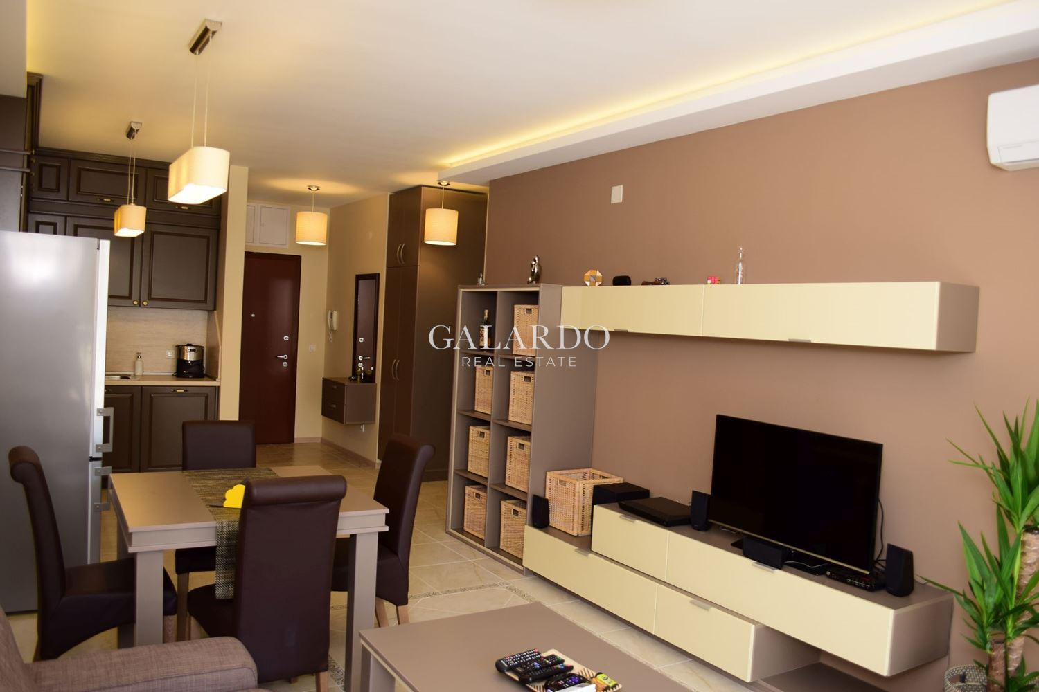 One bedroom furnished apartment in Este Complex