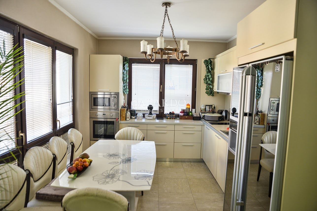House in a gated complex with wonderful panorama in Boyana