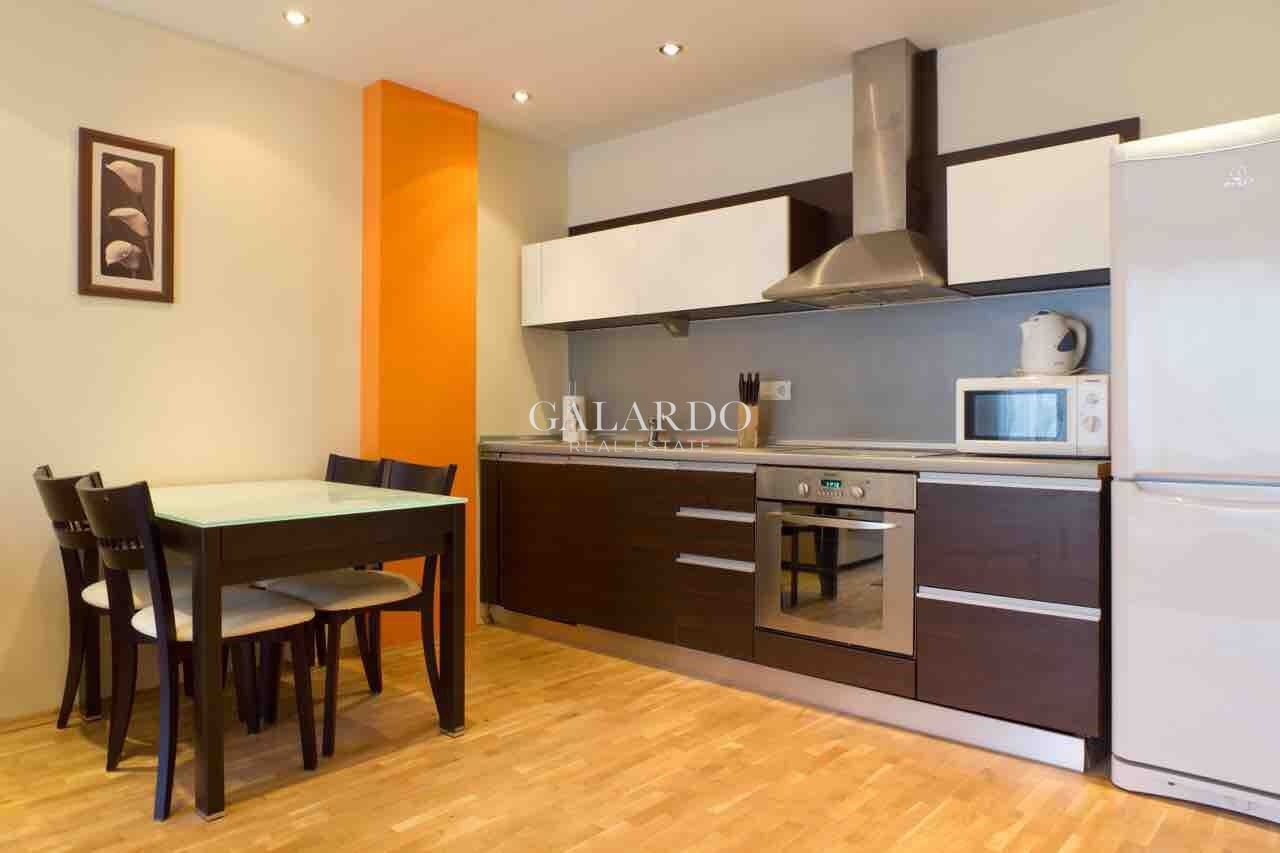 Тристаен апартамент под наем  в топ център на улица Генерал Гурко