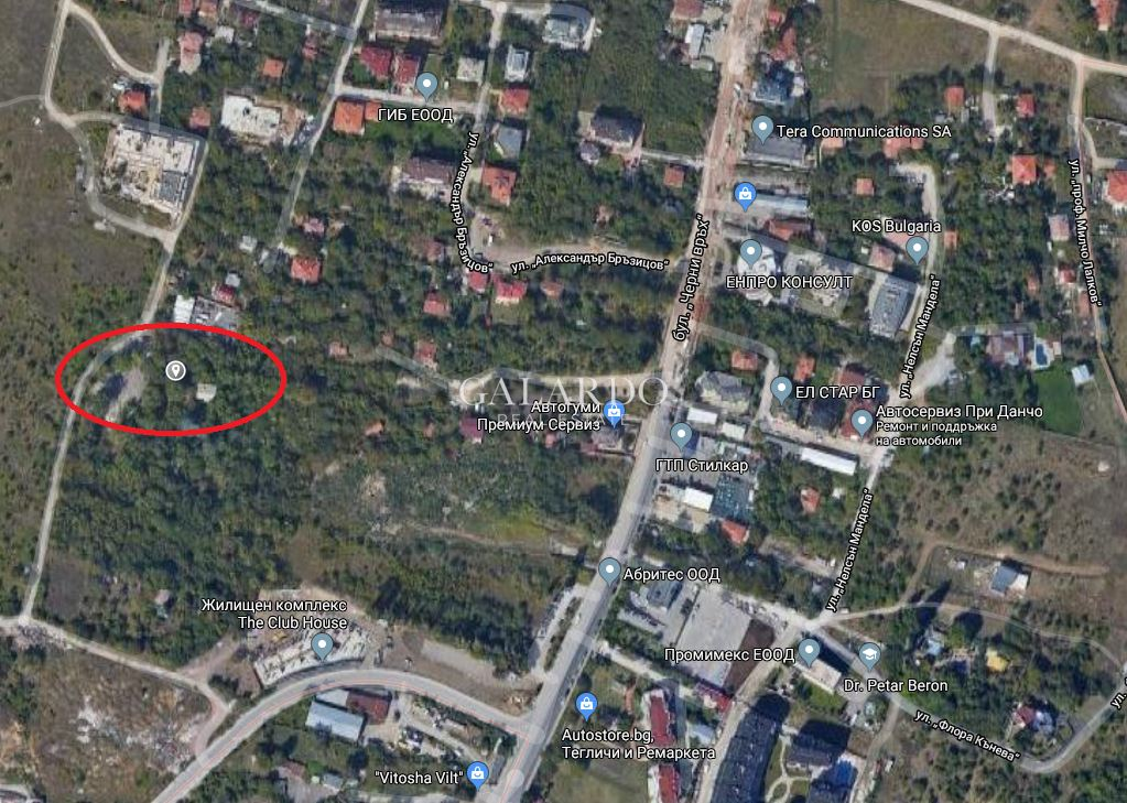 Plot of land facing two streets in Krastova Vada