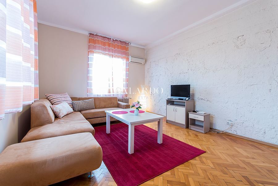 Cozy apartment near the National Theater