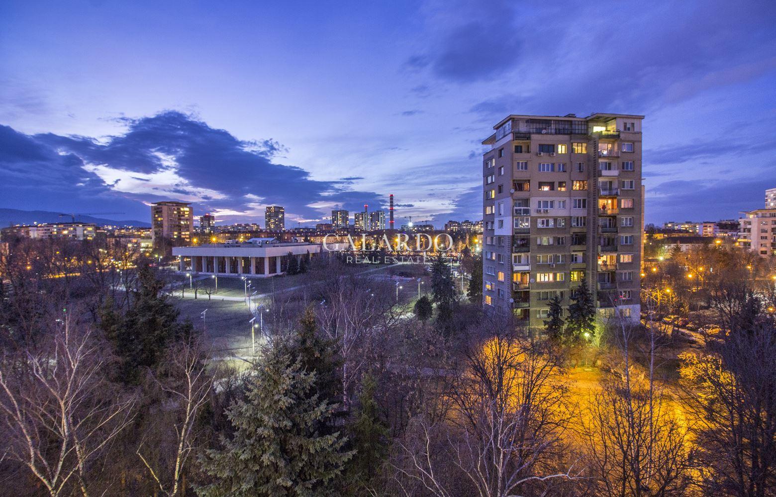 Прекрасен апартамент в Хиподрума в  непосредствена близост до парк