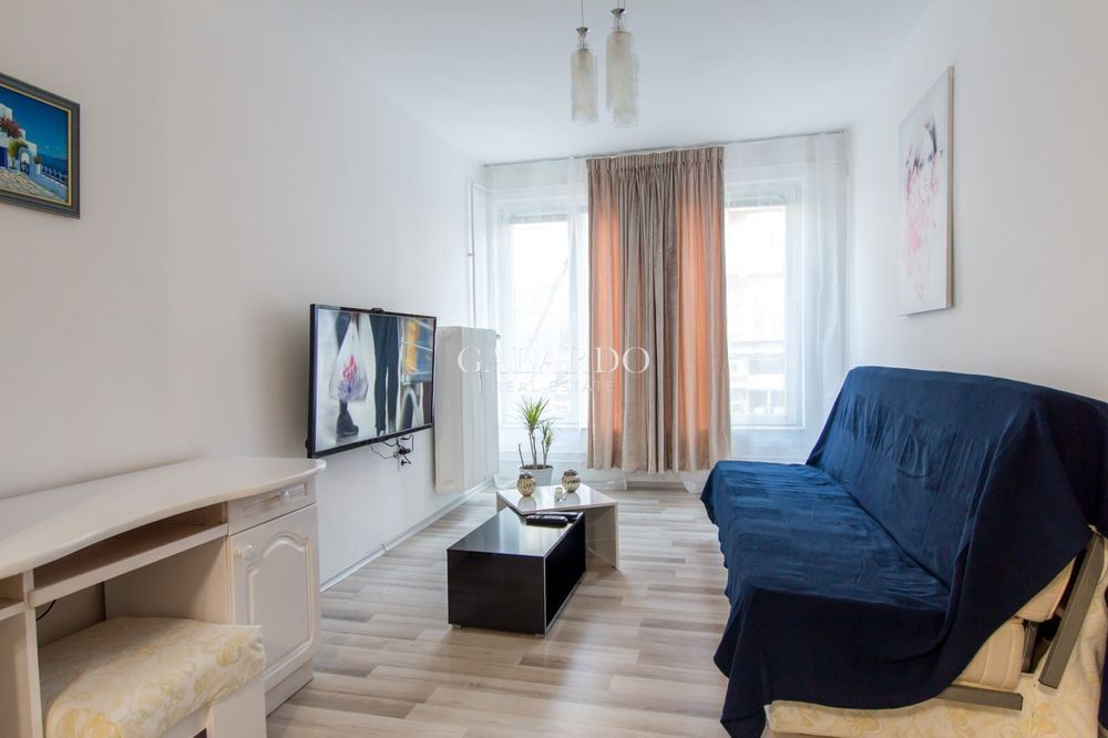 Прекрасен тристаен апартамент под наем с централна локация