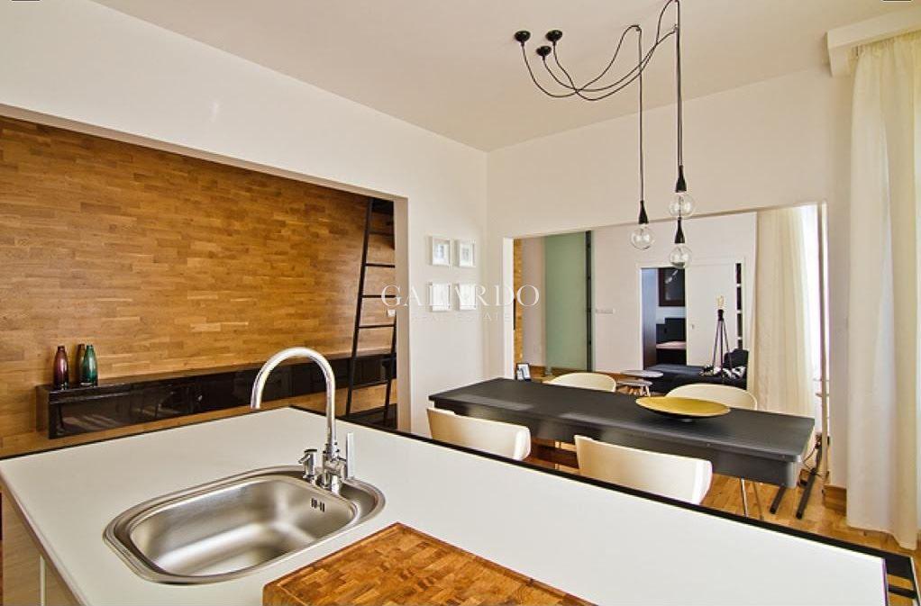 Луксозен тристаен апартамент на бул.Витоша