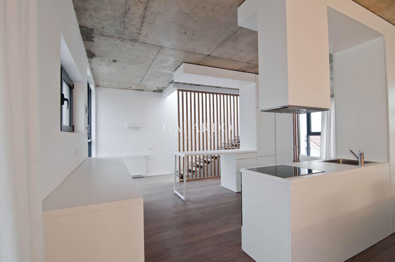 Модерна редова къща за продажба в кв. Бояна