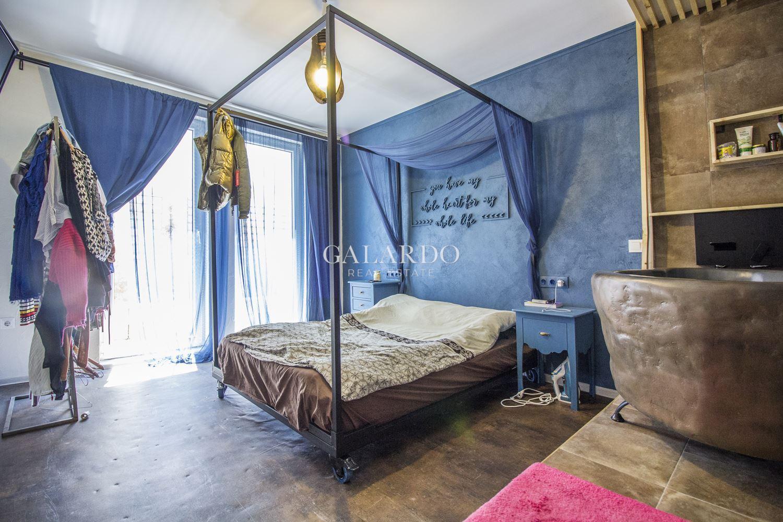 Designer one-bedroom apartment in Krastova Vada