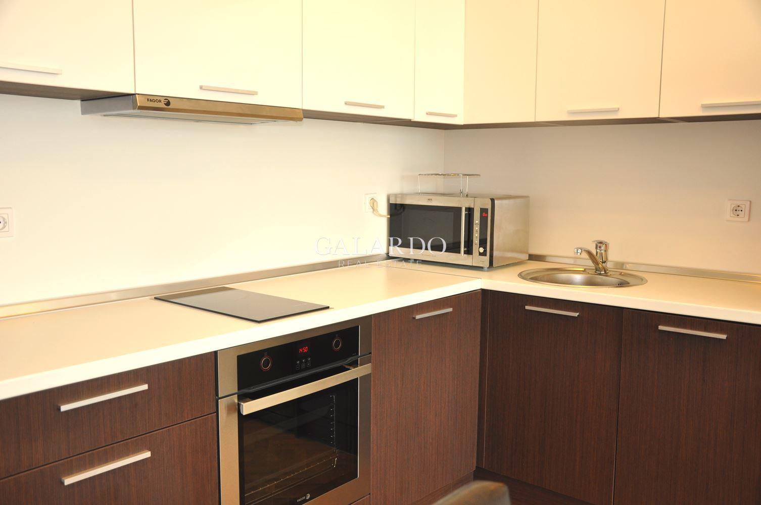 Комфортен апартамент с две спални в затворен комплекс