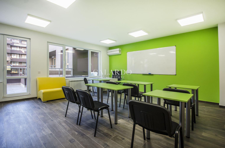 Нов офис в малка бизнес сграда