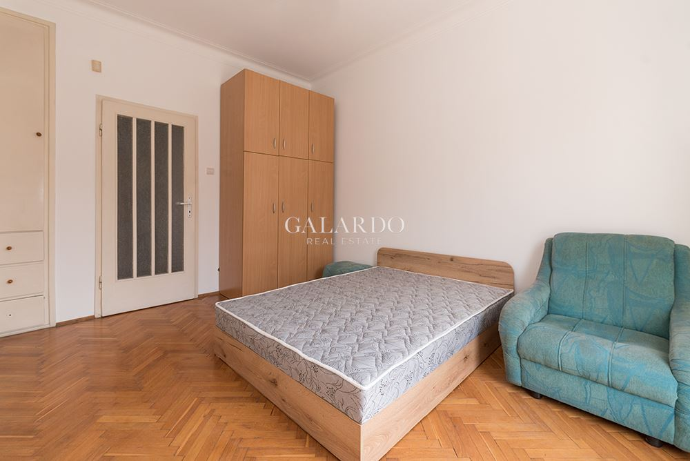 Three bedroom apartment next to the Sports Palace