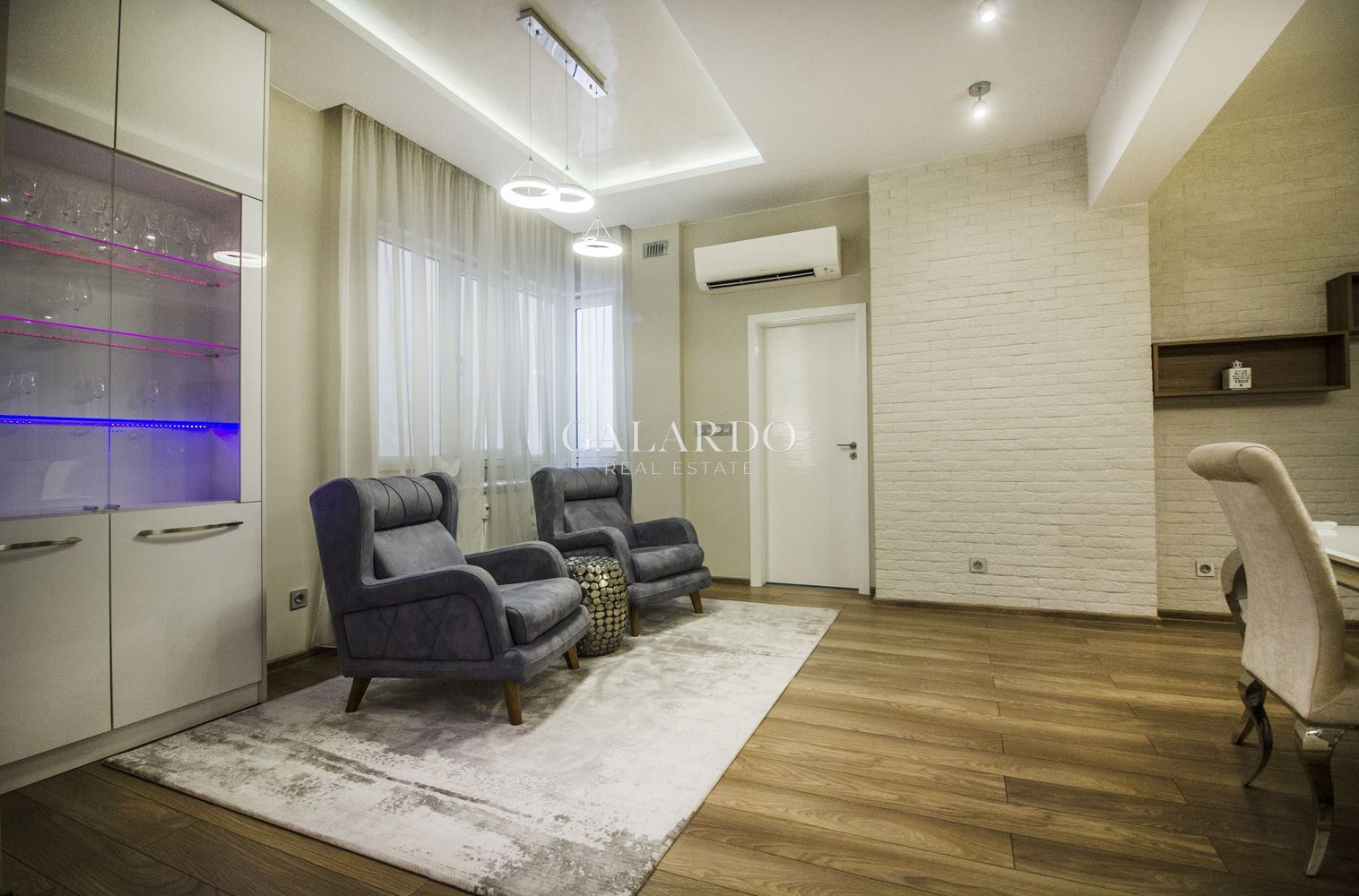 Exclusive fully furnished 2-bedroom apartment in the city center