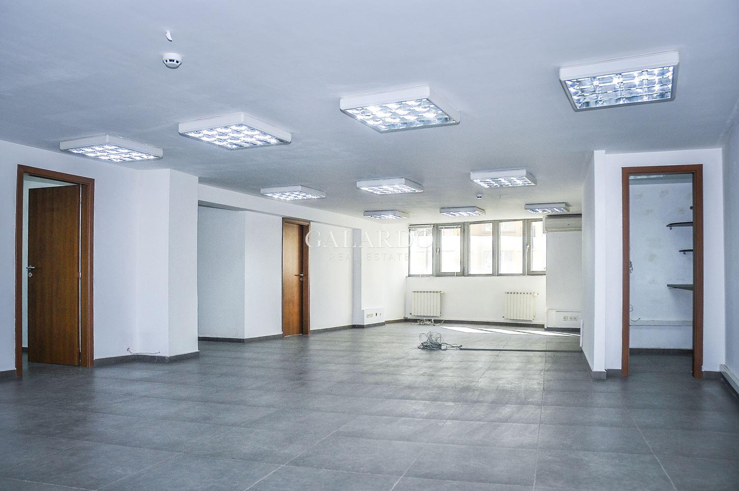 Офис под наем  на бул. България