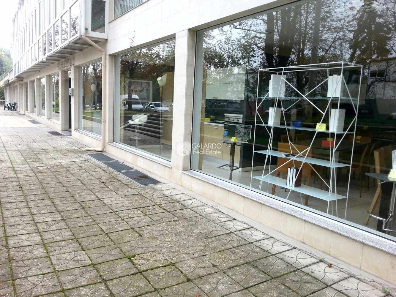 Представителен магазин на две нива и сотлична локация, кв. Лозенец