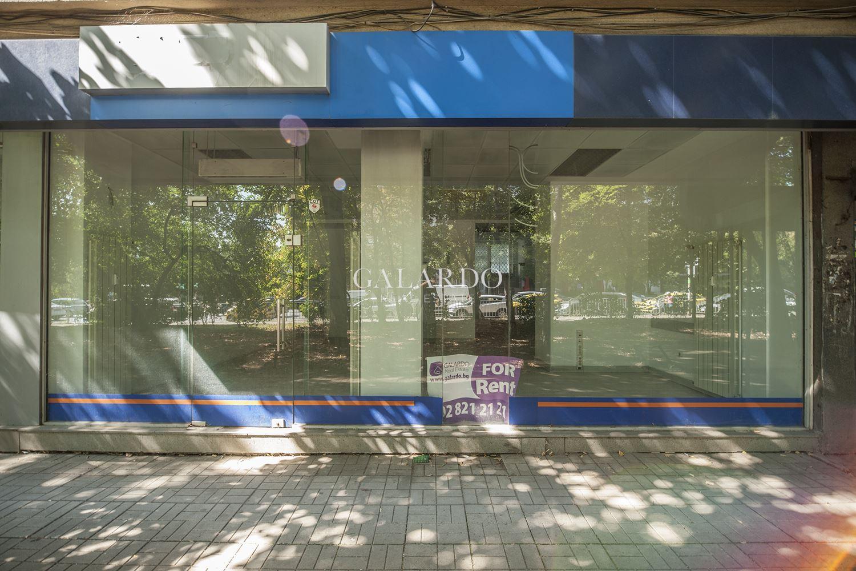 Просторен магазин до бул. България