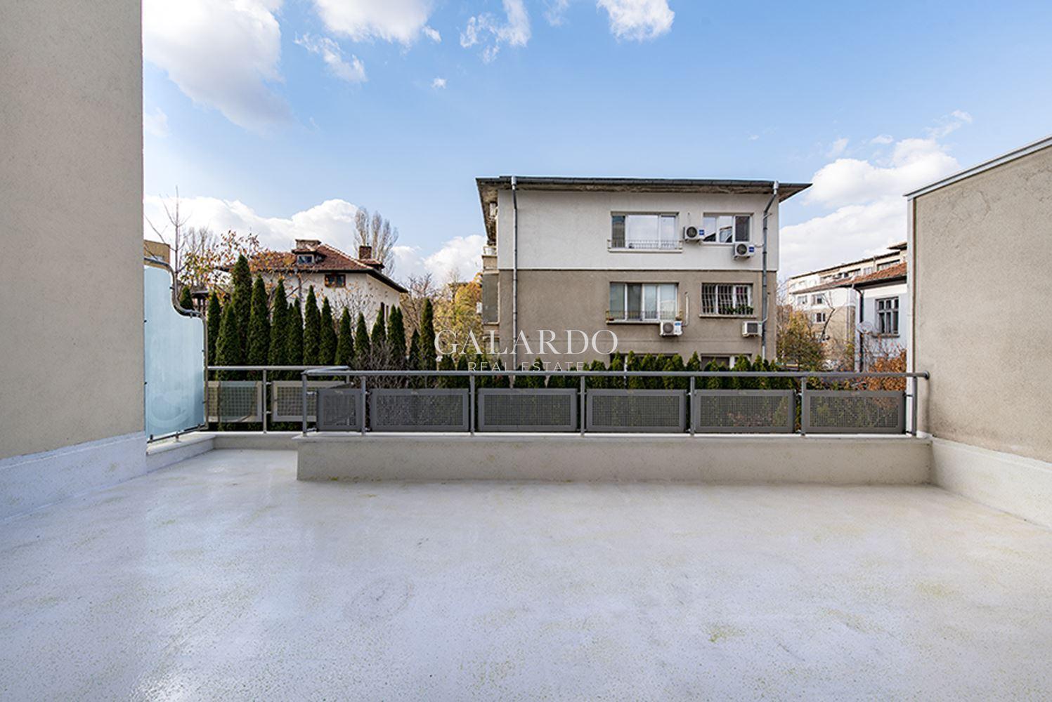 Прекрасен апартамент в кв. Гео Милев