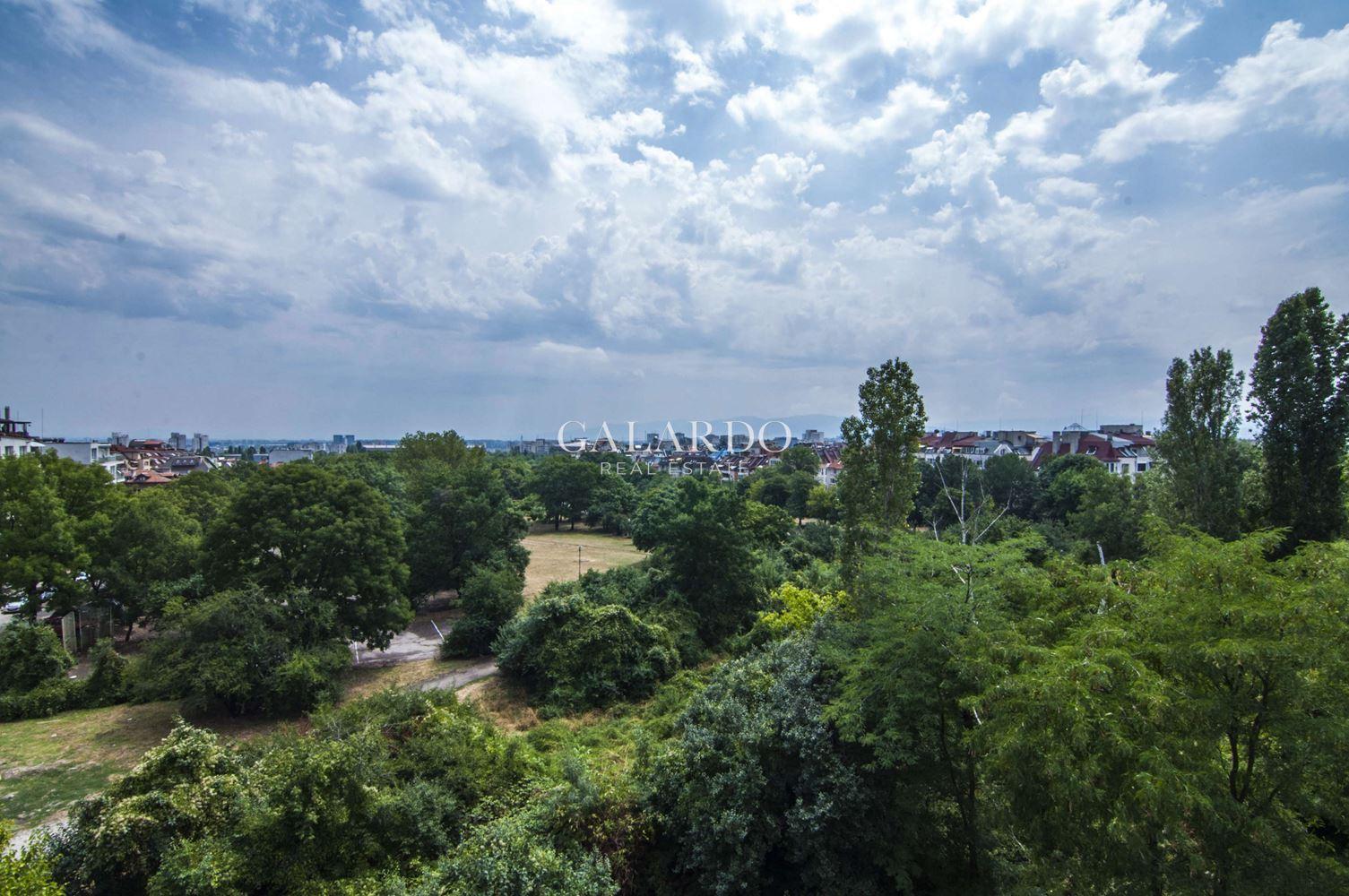 Луксозен мезонет апартамент на топ място в квартал Гео Милев
