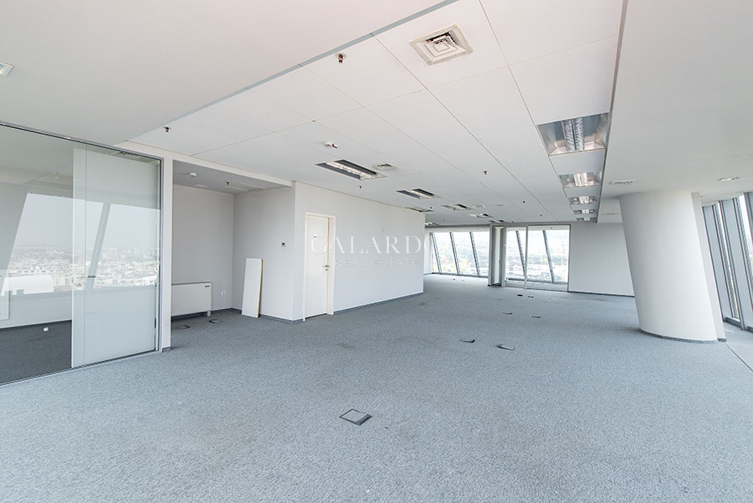Офис в бизнес сграда Клас-А