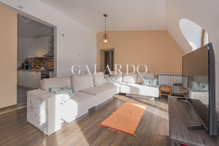 Просторен тристаен апартамент в центъра на Драгалевци