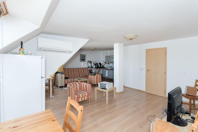 Тристаен апартамент в Центъра, до бул. Дондуков
